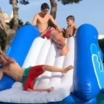 Tobogan hinchable piscina